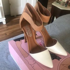 Jeffrey Campbell  two-tone close toe heels.